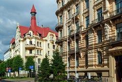 Oude gebouwen in Art Nouveau-stijl op de straat van Alberta Riga, Letland Royalty-vrije Stock Foto