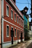 Oude Gebouwen op de straat stock foto