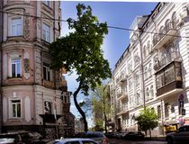 Oude gebouwen op de straten van Kiev Stock Fotografie