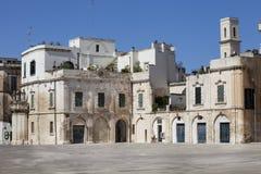 Oude gebouwenhuizen in de historische stad van Lecce, Italië Stock Foto