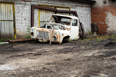 Oude Gebroken Vrachtwagencabine in Wit Royalty-vrije Stock Afbeelding