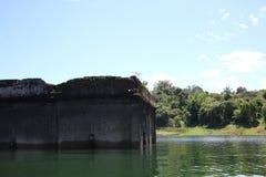 Oude gedaalde tempel in het meer Royalty-vrije Stock Foto