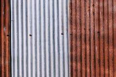 Oude gegalvaniseerd roestig wheathered roest en kraste staal textur Stock Foto's