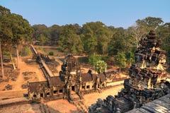 Oude geheimzinnige die tempel in wildernissen wordt verloren royalty-vrije stock foto