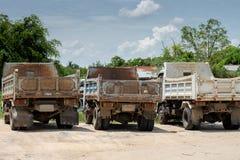 Oude geroeste vrachtwagens Royalty-vrije Stock Foto's