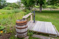 Oude geroeste waterpomp Stock Foto