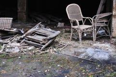 Oude, geruïneerde, verlaten en vuile plaats de van Derelic, Stock Afbeelding