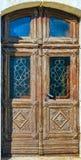 Oude gesneden houten deuren van de Veronderstellingskathedraal in Vladimir, Rusland royalty-vrije stock foto