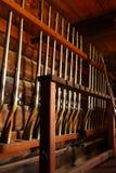 Oude geweren in Fort Ross Stock Afbeeldingen
