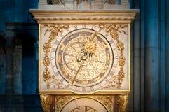 Oude gouden klok in Lyon, Frankrijk. Stock Fotografie