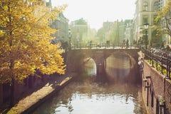 Oude Gracht在市的历史的中心乌得勒支 免版税库存图片