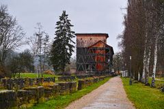 Oude graduatietoren in park Royalty-vrije Stock Foto's