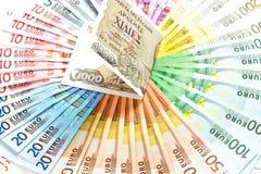 Oude Griekse drachme en euro contant geldnota's euro financiële crisis Royalty-vrije Stock Afbeelding
