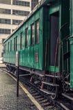 Oude groene bus royalty-vrije stock fotografie