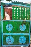 Oude groene houten poort Royalty-vrije Stock Foto's