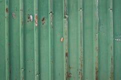 Oude groene metaalomheining Stock Afbeeldingen