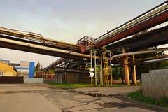 Oude grote staalfabrieken royalty-vrije stock afbeelding