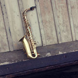 Oude grungy saxofoon Royalty-vrije Stock Afbeelding