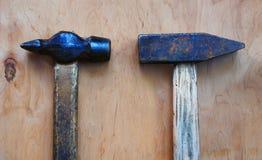 Oude hamer twee stock afbeeldingen
