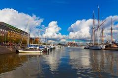 Oude haven in Helsinki, Finland stock foto
