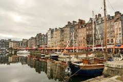Oude haven in Honfleur, Frankrijk royalty-vrije stock foto