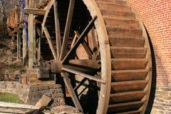 Oude Herstelde Gristmill Stock Foto's