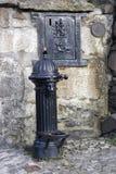 Oude het drinken fontein of goed Stock Fotografie
