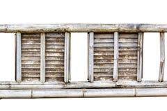 Oude het patroontextuur van de bamboeomheining die op witte achtergrond wordt geïsoleerd Royalty-vrije Stock Afbeeldingen