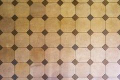 Oude hexagon tegel, beige tonen stock fotografie