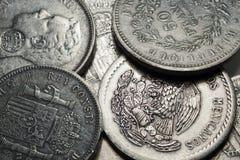 Oude historisch zilveren Muntstukken uit de hele wereld in het Detail Royalty-vrije Stock Foto