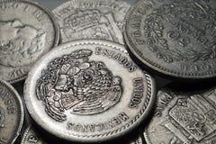 Oude historisch zilveren Muntstukken uit de hele wereld in het Detail Royalty-vrije Stock Afbeelding