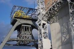 Oude historische lifttorens van mijnbouw Stock Foto