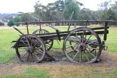 Oude historische paard getrokken wagen Stock Afbeeldingen