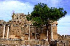Oude historische ruïne in ZijTurkije Stock Foto's