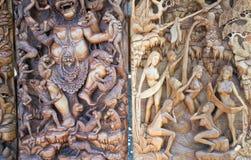 Oude houtdruk van de mythologie van Bali stock fotografie