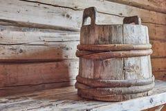Oude houten emmer Royalty-vrije Stock Foto
