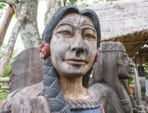 Oude houten Indische dame stock foto