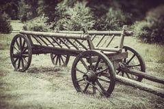 Oude houten kar, wijnoogst gestileerde foto royalty-vrije stock foto
