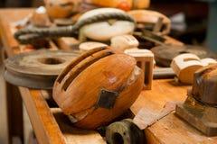 Oude houten katrollen Royalty-vrije Stock Afbeeldingen