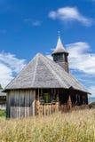 Oude houten kerk in een alpien dorp in Grisons in Zwitserland Royalty-vrije Stock Foto