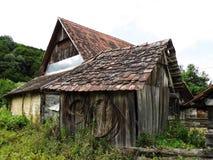 Oude houten landbouwbedrijfgebouwen Royalty-vrije Stock Afbeelding