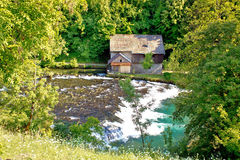 Oude houten molen op Slunjcica-rivier Royalty-vrije Stock Fotografie