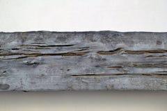 Oude houten muren en concrete muren als achtergrond Achtergrond, oud houten, oud splijten, zwarte vorm op de groene muur, Het hou royalty-vrije stock afbeelding