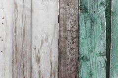 Oude houten omheining met gebarsten verftextuur royalty-vrije stock foto's
