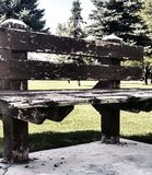 Oude houten parkbank Royalty-vrije Stock Afbeelding