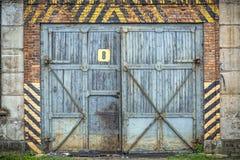 Oude houten poort Stock Afbeeldingen