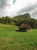Oude houten schuur in platteland Royalty-vrije Stock Foto