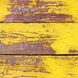Oude houten sjofele gele achtergrond of textuur Stock Foto's