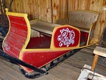 Oude houten slee in de schuur Het boerleven Stabiele werf Uraldorp stock foto