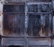 Oude houten staldeur met slot Royalty-vrije Stock Afbeelding